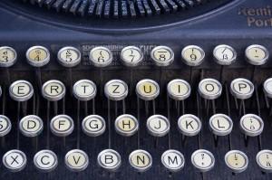 typewriter-464746_640
